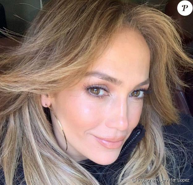 """Jennifer Lopez a recadré une internaute qui l'a accusée d'avoir subi """"des tonnes de Botox""""."""