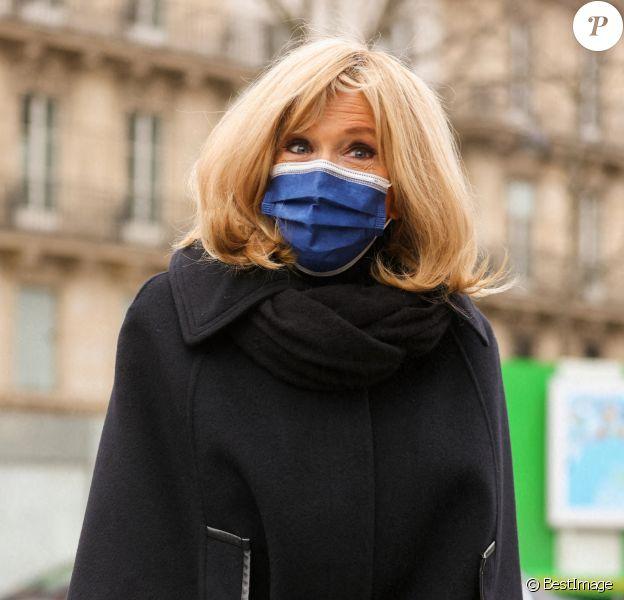 Brigitte Macron - Arrivées à la messe anniversaire à la mémoire de Pierre Cardin en l'église de La Madeleine à Paris. Le 29 janvier 2021