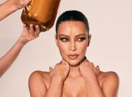 Kim Kardashian se couvre le visage et le corps de miel, une vidéo étonnante