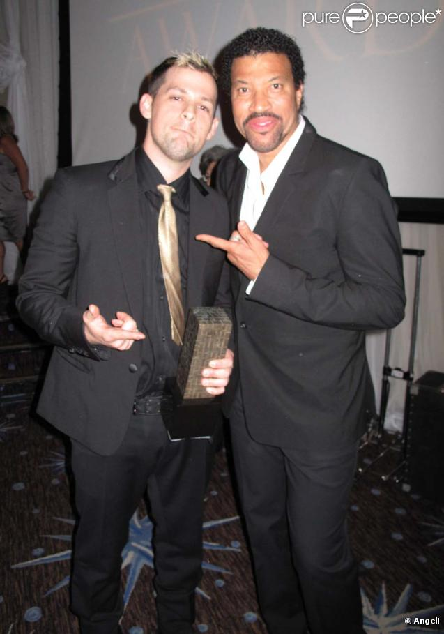 Joel Madden et Lionel Richie aux Noble Awards le 18 octobre 2009.
