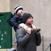 Quand Naomi Watts fait sa belle, son chéri Liev Schreiber fait... papa-poule !
