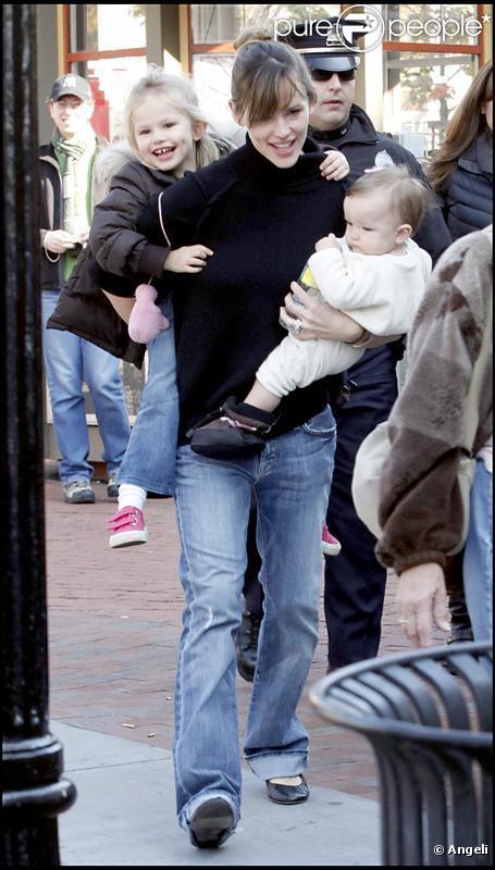 Jennifer Garner et ses filles à Boston (20 octobre 2009)