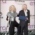 Blythe Danner et Richard Branson, tout deux plâtrés, à l'occasion du 20e anniversaire de l'Environmental Media Association, qui s'est tenu aux Studios Paramount d'Hollywood, à Los Angeles, le 25 octobre 2009 !