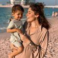 Jesta Hillmann avec son fils Juliann à Dubaï