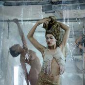 Regardez Laetitia Casta se dévoiler en déesse d'une beauté envoûtante et... magnifiquement nue !