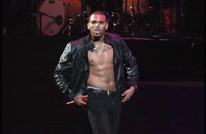 Chris Brown : Un show à moitié nu ! Même la splendide Keri Hilson a failli passer inaperçue !
