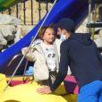 Novak Djokovic et sa femme Jelena profitent de la plage avec leurs enfants, Stefan et Tara, lors de leurs vacances à Marbella, le 9 janvier 2021.