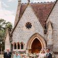 La reine Elizabeth II, Le prince Philip, duc d'Edimbourg, La princesse Beatrice d'York, Edoardo Mapelli Mozzi posent devant The Royal Chapel of All Saints at Royal Lodge après leur mariage, Windsor, le 17 juillet 2020.