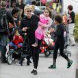 Deborra-Lee Furness et ses enfants ont profité d'Halloween le 31/10/09 à New York