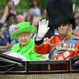 """La reine Elisabeth II d'Angleterre et le prince Philip, duc d'Edimbourg - La famille royale d'Angleterre arrive au palais de Buckingham pour assister à la parade """"Trooping The Colour"""" à Londres, à l'occasion du 90ème anniversaire de la reine. Le 11 juin 2016"""