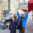 Exclusif - Vittoria de Savoie et Giulia Le Ruyet-Marcassus (fille de A.Marcassus et F.Le Ruyet) lors d'une manifestation de lycéens scolarisés dans des établissements privés et hors contrat qui s'inquiètent pour le BAC 2021 en raison de la pandémie de Covid-19 (coronavirus) sur la place Jacques Bainville à Paris, le mois dernier. © Jack Tribeca/Bestimage
