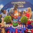 Blaise Matuidi et son épouse Isabelle (ici photographiés avec leurs 4 enfants) ont organisé une fête d'anniversaire sur le thème Coupe du monde de football pour leur fils Eden. Le 16 avril 2021.