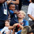 Isabelle Matuidi (femme de Blaise Matuidi) et son fils Eden dans les tribunes lors du match de coupe du monde opposant la France au Danemark au stade Loujniki à Moscou. Le 26 juin 2018. © Cyril Moreau/Bestimage