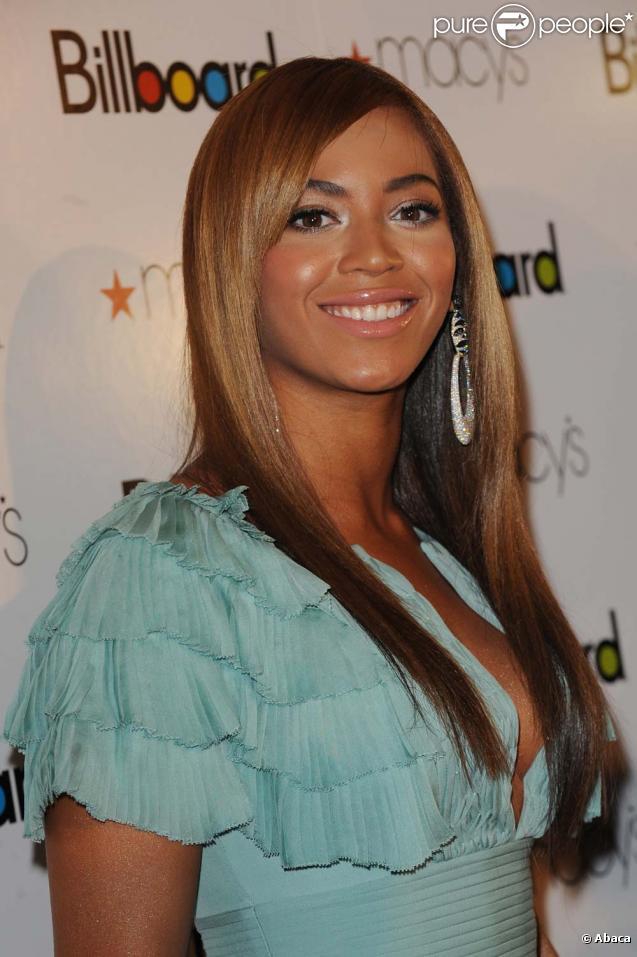 Beyoncé décroche 4 nominations : Meilleur concert, Meilleure chanson ( Halo ), Meilleure artiste féminine et Meilleur clip ( Single ladies ).