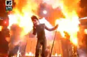 Les Tokio Hotel : élus Meilleur groupe... ils ont littéralement en-flam-mé la scène des MTV EMA's !