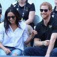 Le prince Harry et Meghan Markle lors de leur première apparition officielle lors de la finale de tennis en chaise roulante pendant les Invictus Games à Toronto.