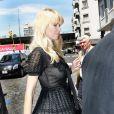 Claudia Schiffer dans les rues de Buenos Aires en plein shooting pour Chanel et Karl Lagerfeld
