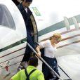 Madonna sortant de son jet privé à Rio de Janeiro, le 9 novembre 2009