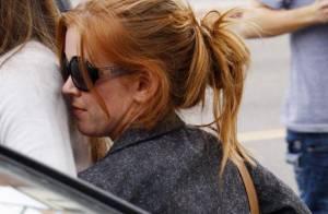 Isla Fisher : La compagne de Borat joue à cache-cache avec les photographes... Serait-elle enceinte ?