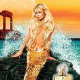 Paris Hilton très glamour pour la publicité de son parfum Siren