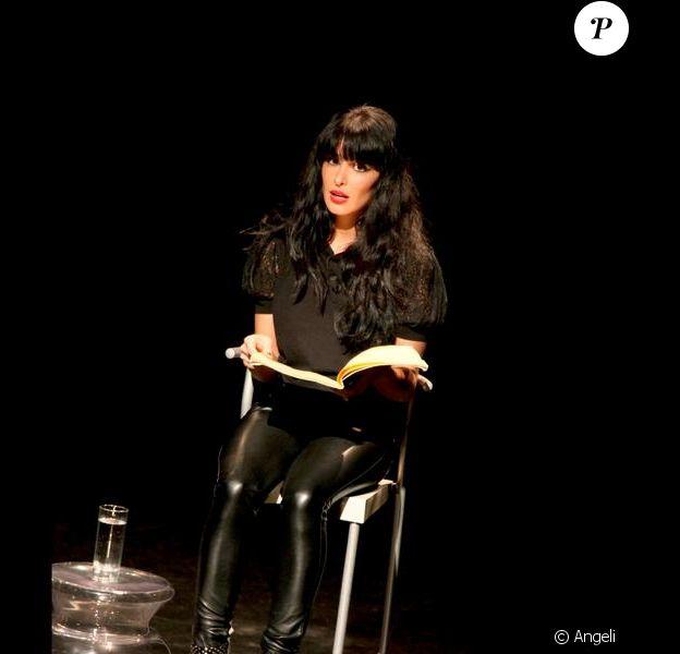 Jenifer lors de ses Monologues du Vagin à Bourg-lès-Valence, au Théâtre du Rhône