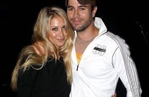 Enrique Iglesias : toujours aussi collé-serré avec son Anna Kournikova... malgré ses écarts de conduite !