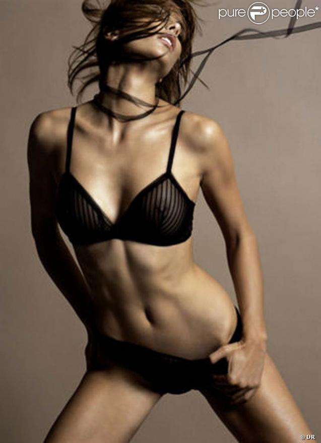 La vidéo d'une pub pour le site www.naturisme.fr avec la très belle