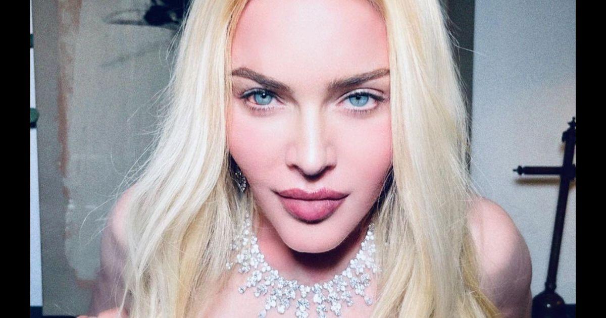 Madonna torride et topless elle dévoile ça poitrine