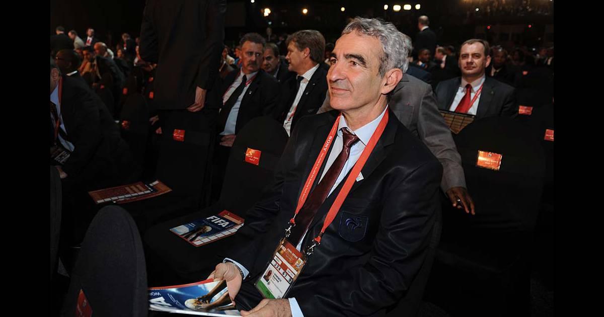 Raymond domenech lors du tirage de la prochaine coupe du - Prochaine coupe du monde de football ...