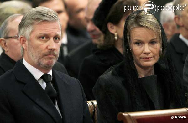 Le Prince Philippe de Belgique et sa femme la Princesse Mathilde aux obsèques du Prince Alexandre de Belgique
