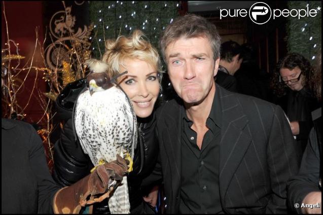 Ophélie Winter et Philippe Caroît lors de la soirée Chivas Christmas Knight chez Castel à Paris le 9 décembre 2009