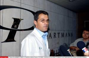 Johnny Hallyday : son chirurgien Stéphane Delajoux... roué de coups cette nuit à Paris !
