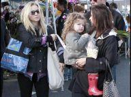 La jolie Kristen Bell avec copine et enfant... au marché de Noël de Los Angeles !