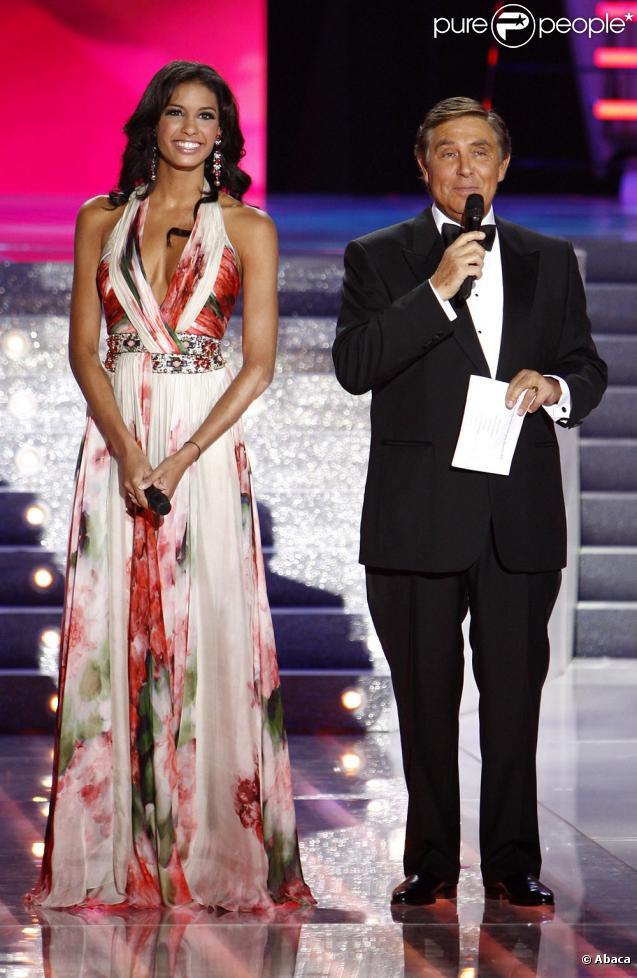 Chloé Mortaud et Jean-Pierre Foucault (à la dernière cérémonie de Miss France)