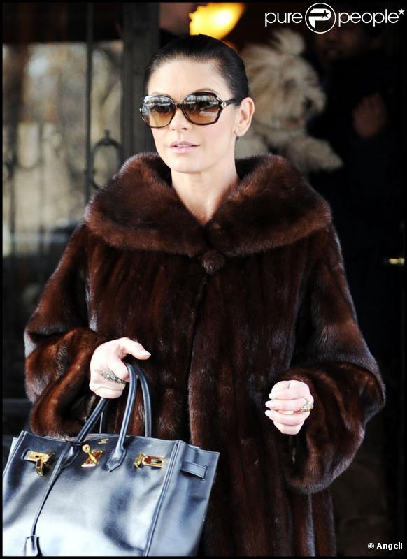 Catherine Zeta-Jones à New York, le 20 décembre 2009