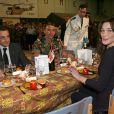 Le couple présidentiel dîne avec les soldats français basés au Tchad, le 27 février 2008
