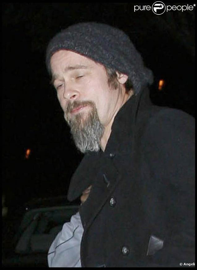 Brad Pitt à la sortie d'un dîner bien arrosé au Mexico City de Los Feliz, en décembre 2009.