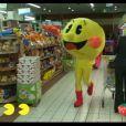 Rémi Gaillard s'improvise en Pacman et met le bazar dans un supermarché.