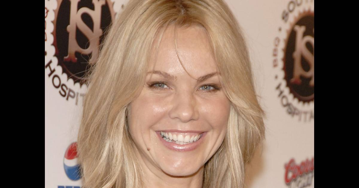 andrea roth de la s rie rescue me et lost 42 ans est enfin enceinte purepeople. Black Bedroom Furniture Sets. Home Design Ideas