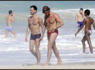 Le tatoué Marc Jacobs et son chéri Lorenzo Martone... affichent toujours leur amour passionné à la plage !