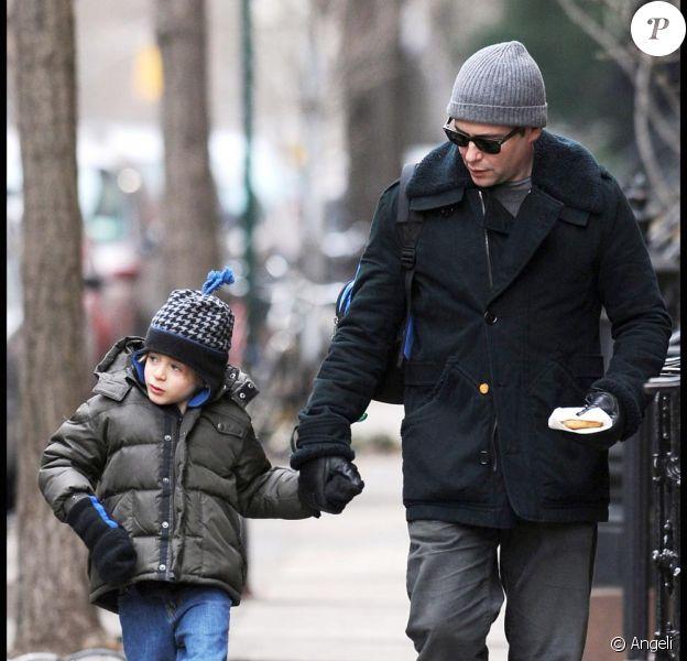 Matthew Broderick se promène avec son fils, James Wilke, à Los Angeles, le 15 janvier 2010.
