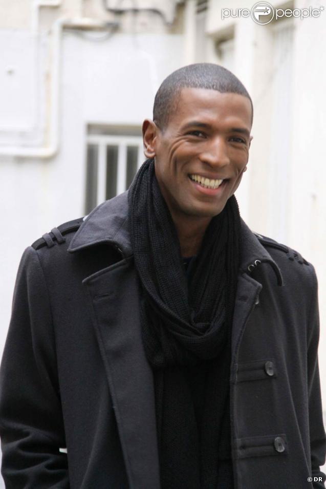 Thierry Cham revient en 2010 avec un nouvel album annoncé par le single  Ecoute-moi
