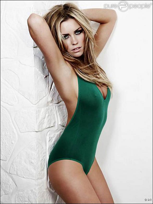 Abbey Clancy prend la pose pour le catalogue de maillots de bain Sport Illustrated 2010