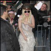Lady Gaga à découvert sous la neige... Cette fille n'a peur de rien !