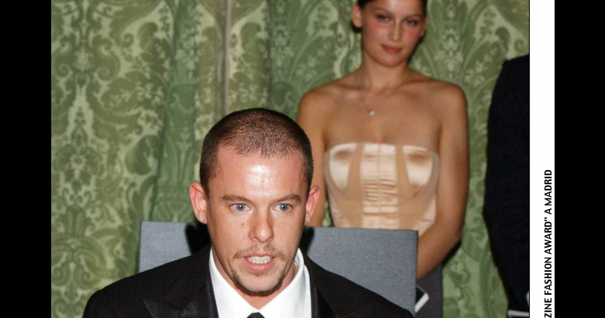 urgent alexander mcqueen est mort il se serait suicid purepeople. Black Bedroom Furniture Sets. Home Design Ideas