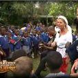 Les célébrités en voyage dans une école sud-africaine