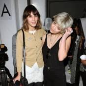 Alexa Chung : Son charme irrésistible a réussi à assagir... les soeurs Peaches et Pixie Geldof !