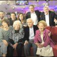 Danielle Darieux, entourée de ses proches pour le tournage de Vivement Dimanche (24 février 2010)