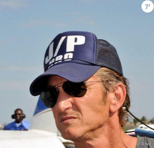 Sean Penn en mission humanitaire à Haïti en février 2010