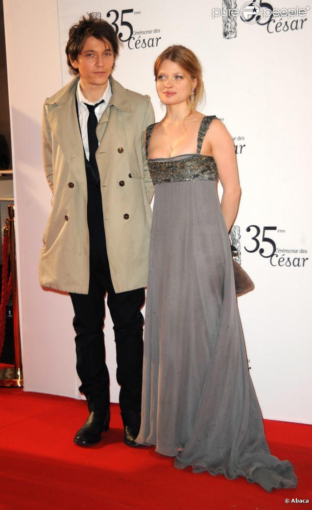 Mélanie Thierry et Raphaël lors de la 35e cérémonie des César le 27 février 2010